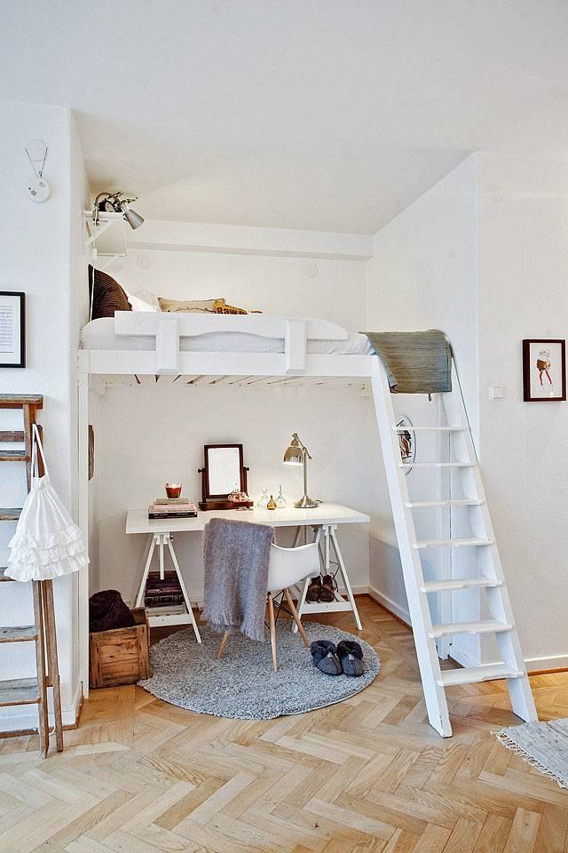 Рабочее место в небольшой квартире