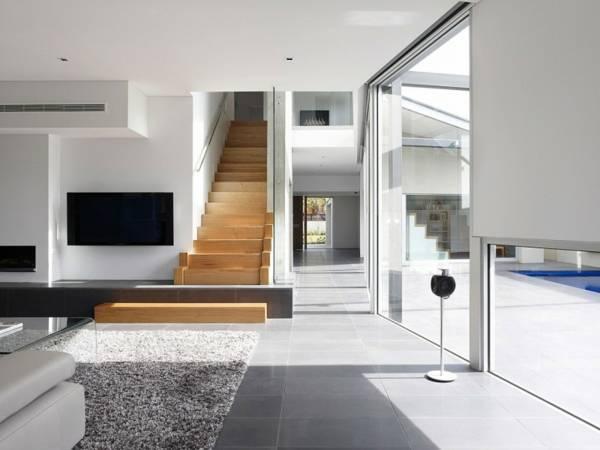 лестницы между стен