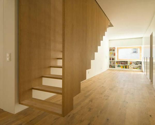 навесной лестничный блок из дерева