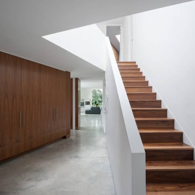 съемная опалубка у лестницы