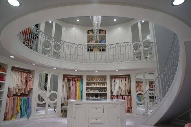просторный гардероб