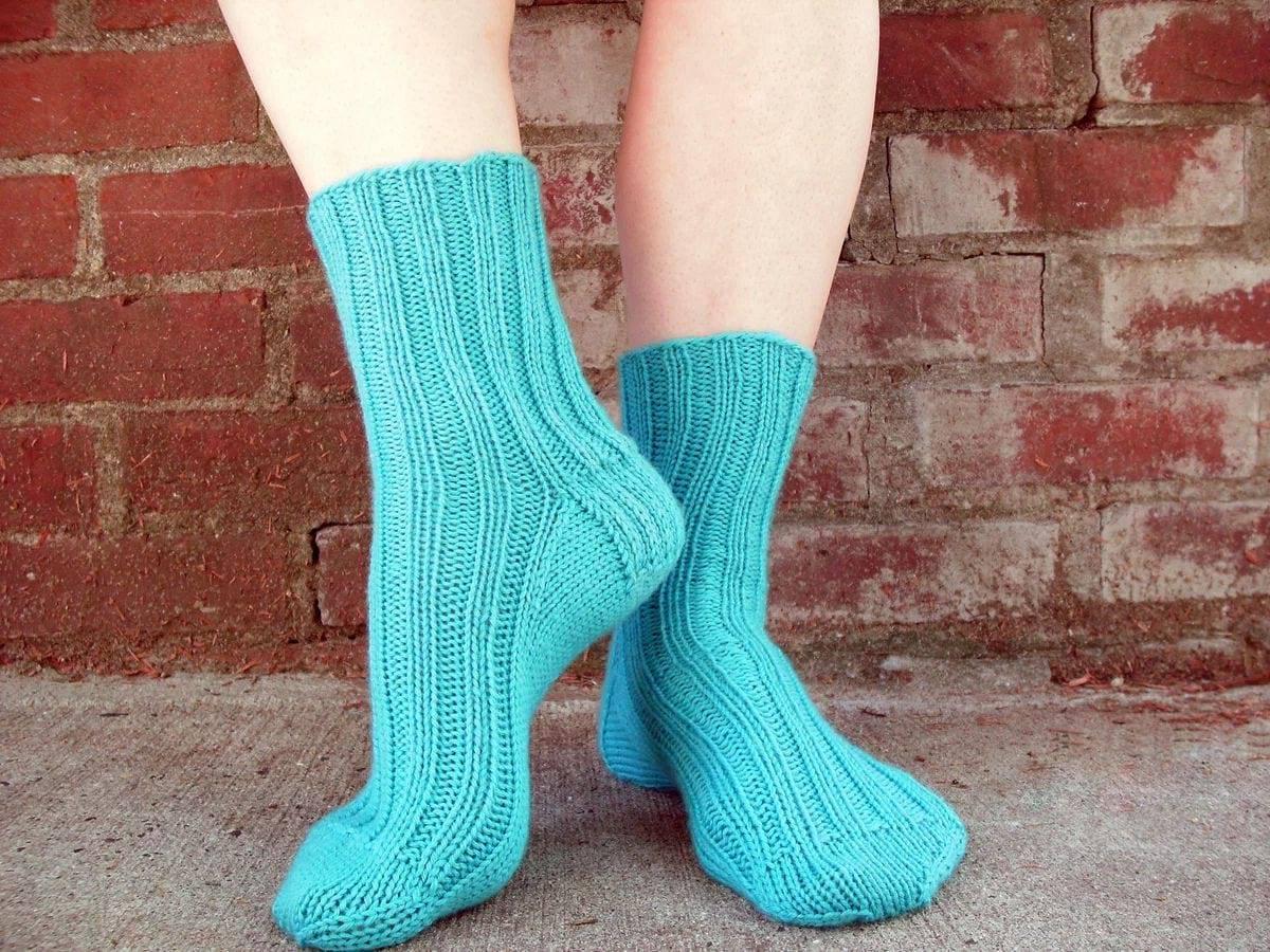 Вязание спицами носки